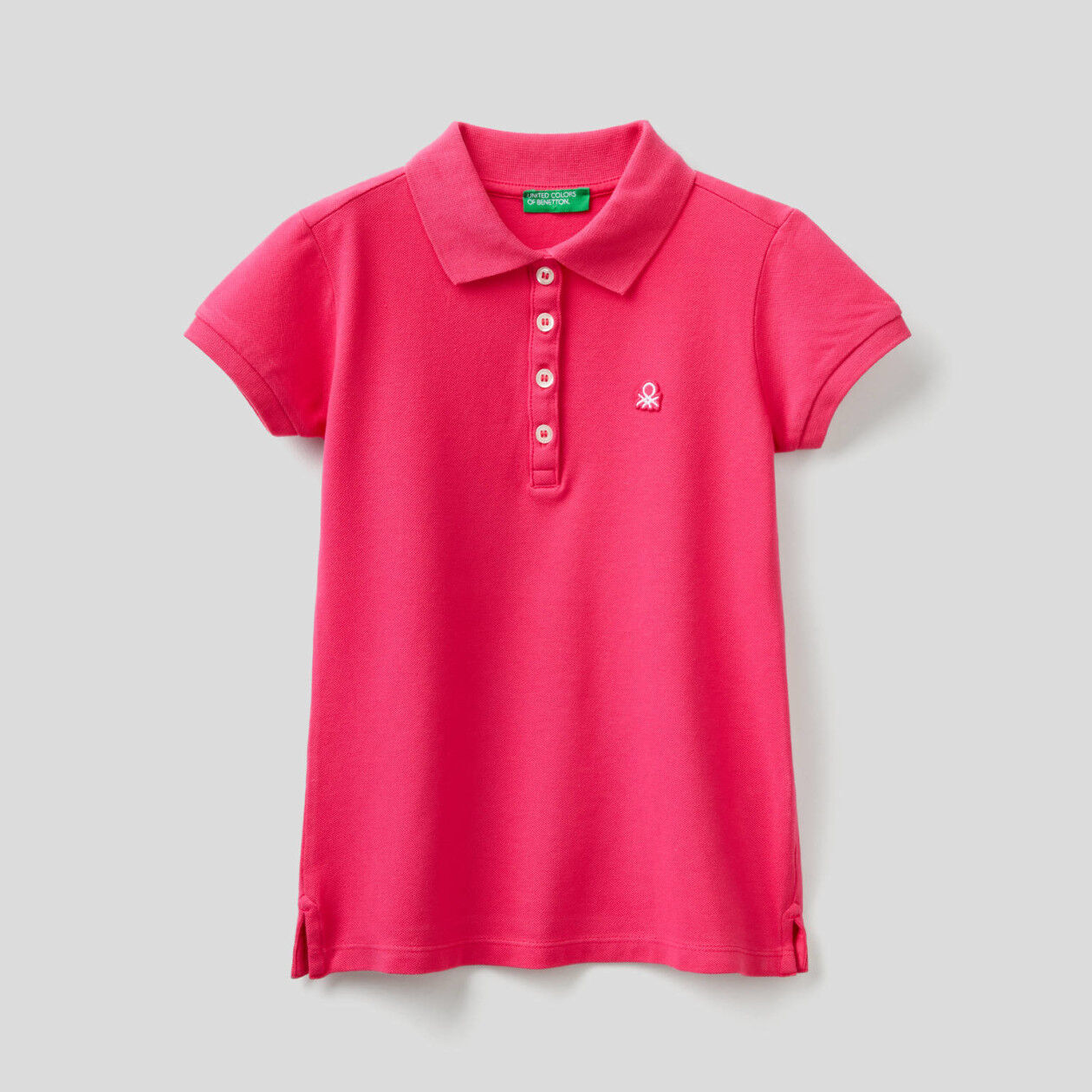 Polo with patch logo