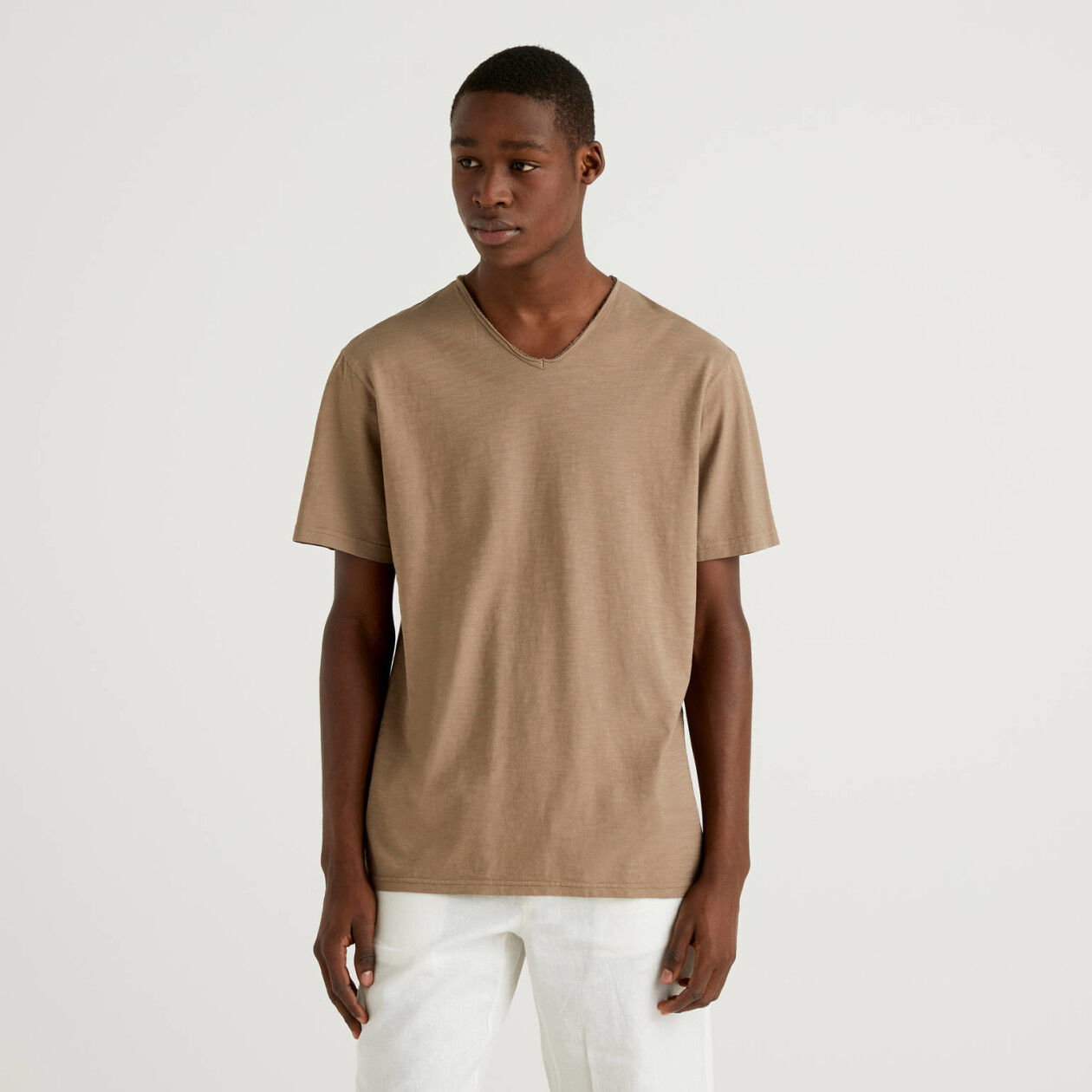 100% cotton t-shirt with V-neck