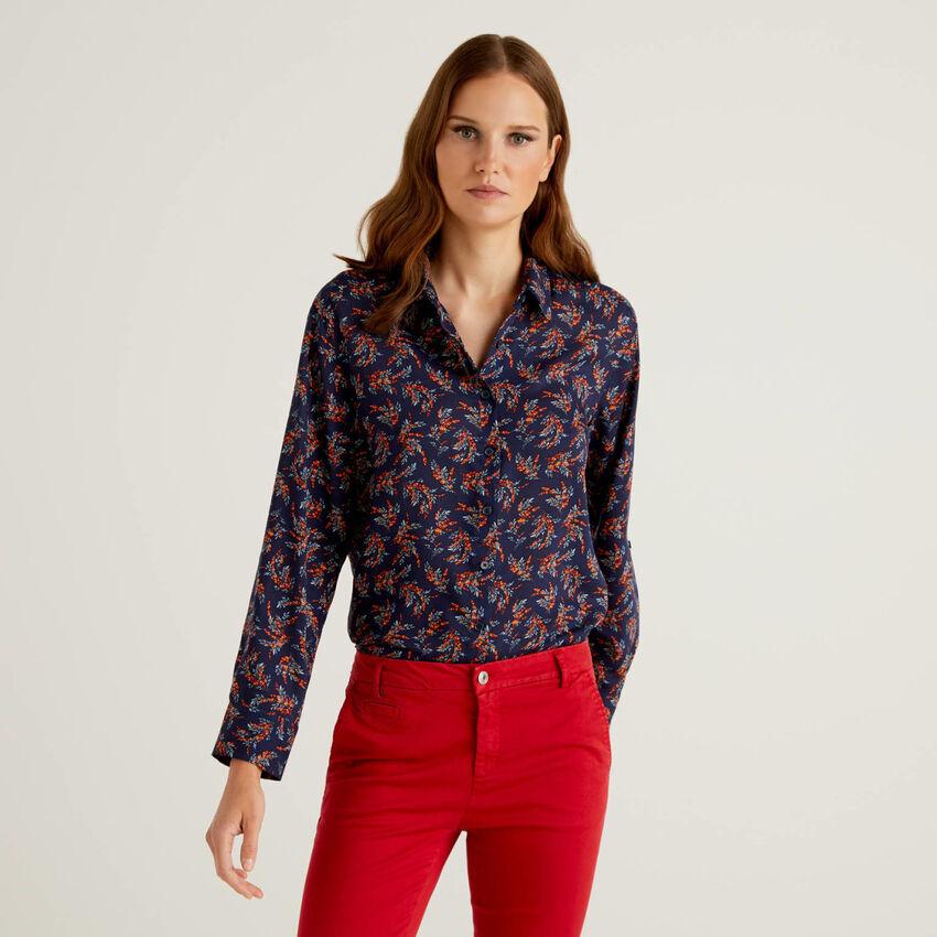 Flowy pattern spring shirt