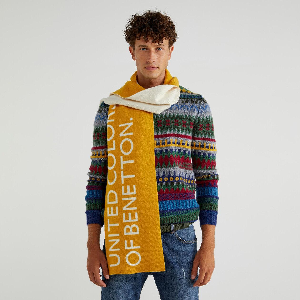 Unisex scarf with logo