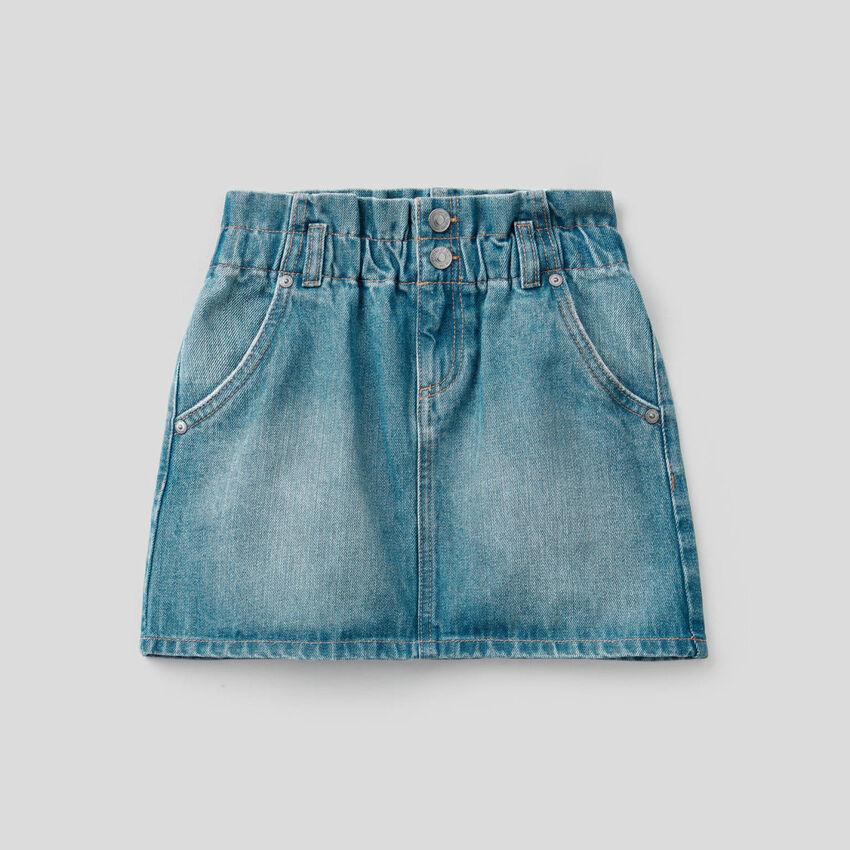 Short skirt in 100% cotton denim