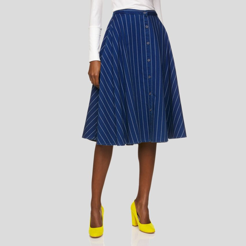 Wide skirt with stripes