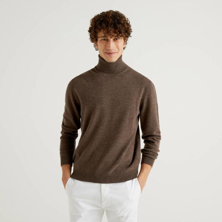 Brown turtleneck in pure virgin wool