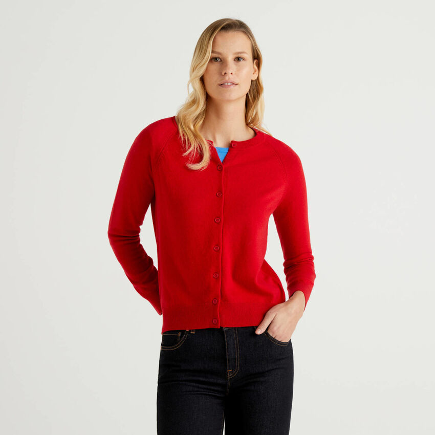 Red crew neck cardigan in cashmere and wool blend