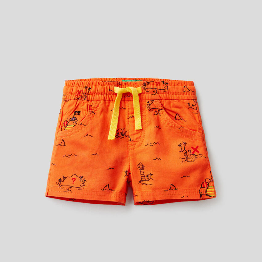 Shorts with treasure island print