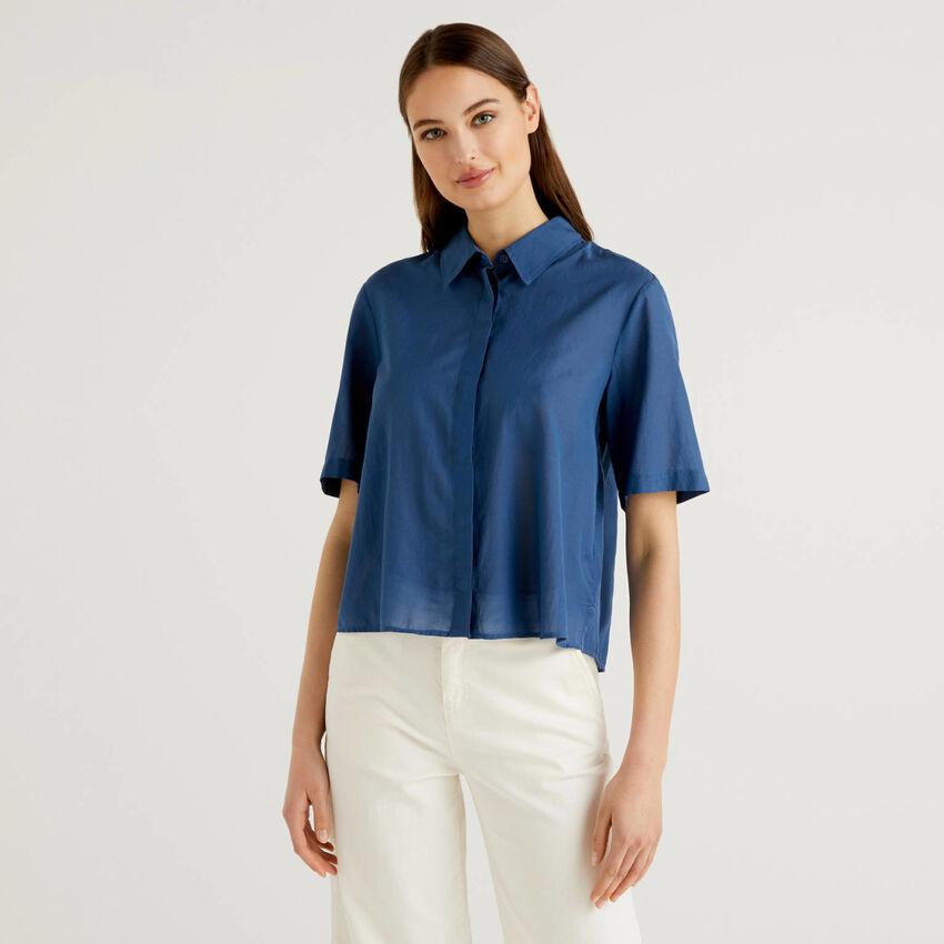 Light short sleeve shirt