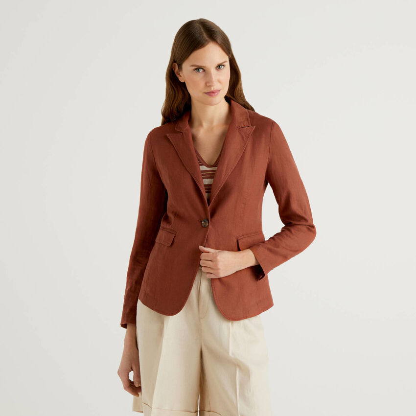 Waisted blazer in 100% linen